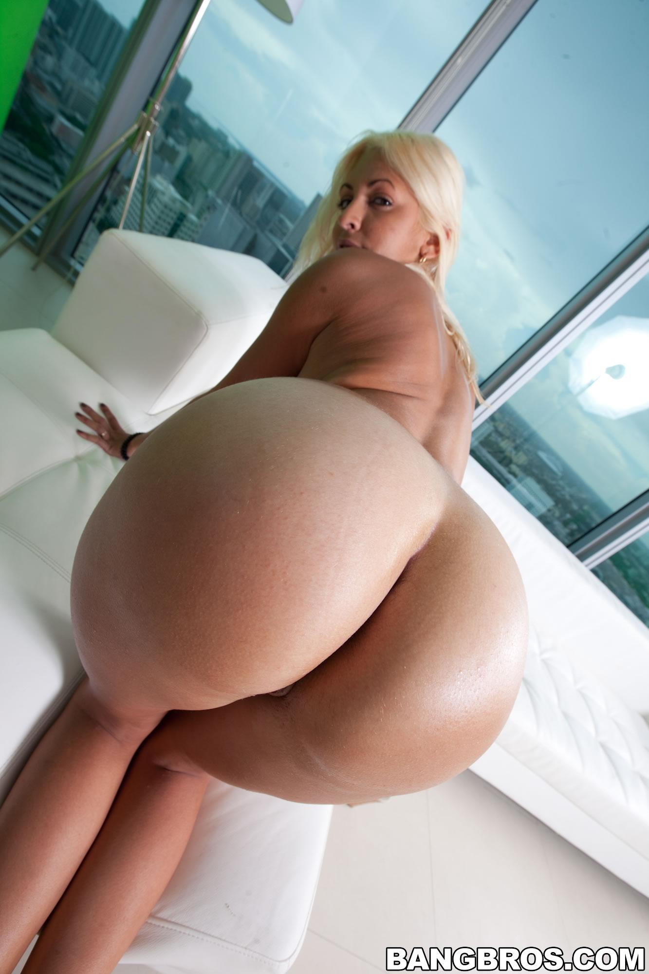 Big tits, round asses